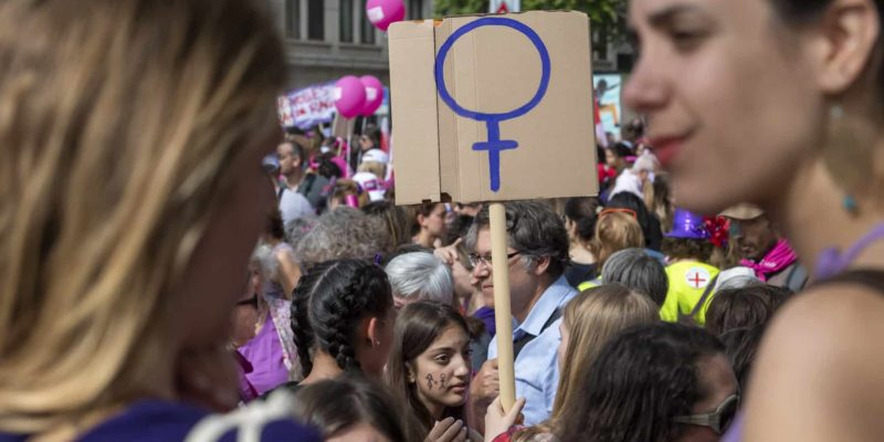 Women protest during a nationwide women's strike in Geneva, Switzerland, 14 June 2019. The strike day intends to highlight, among others, unequal wages, pressures on part-time employees, the burden of household work and sexual violence. (KEYSTONE/Martial Trezzini)