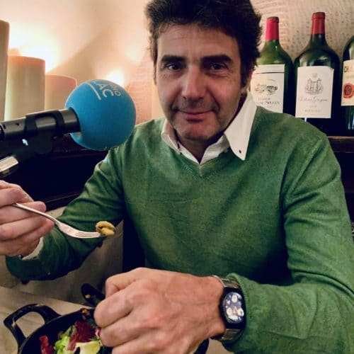 Benoît cuisine Laurent Deshusses, comédien